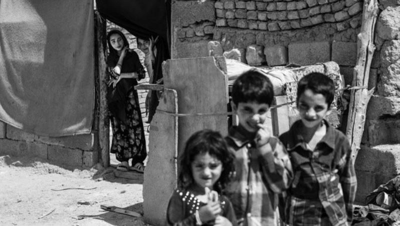 متوسط درآمد مردم ایران ۷۰ درصد پایینتر از خط فقر است