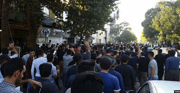 تظاهرات در مریوان علیه حمله ی ترکیه به کردهای سوریه