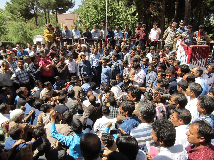 اعتصاب سه هزار کارگر زغالسنگ کرمان در اعتراض به واگذاری به بخش خصوصی
